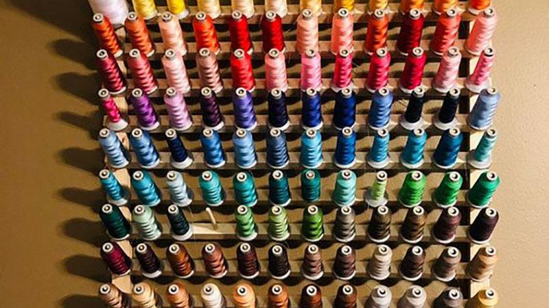 Linha de Costura: Como Escolher a Melhor para Cada Tecido