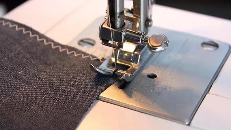 8 Pontos de Costura na Máquina que Todo Iniciante Deve Aprender